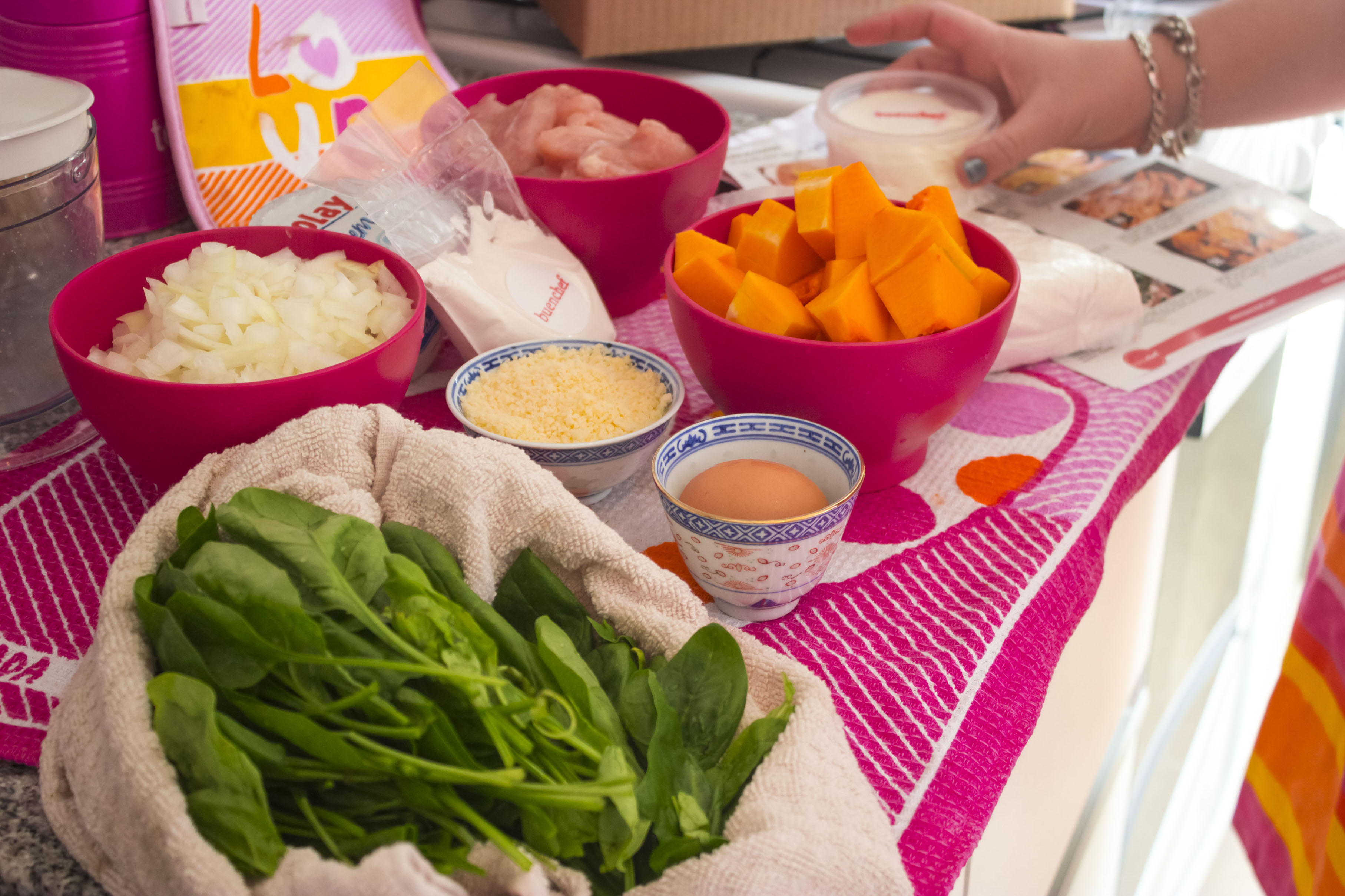 Los ingredientes para cocinar los Malfatti con pollo y espinaca