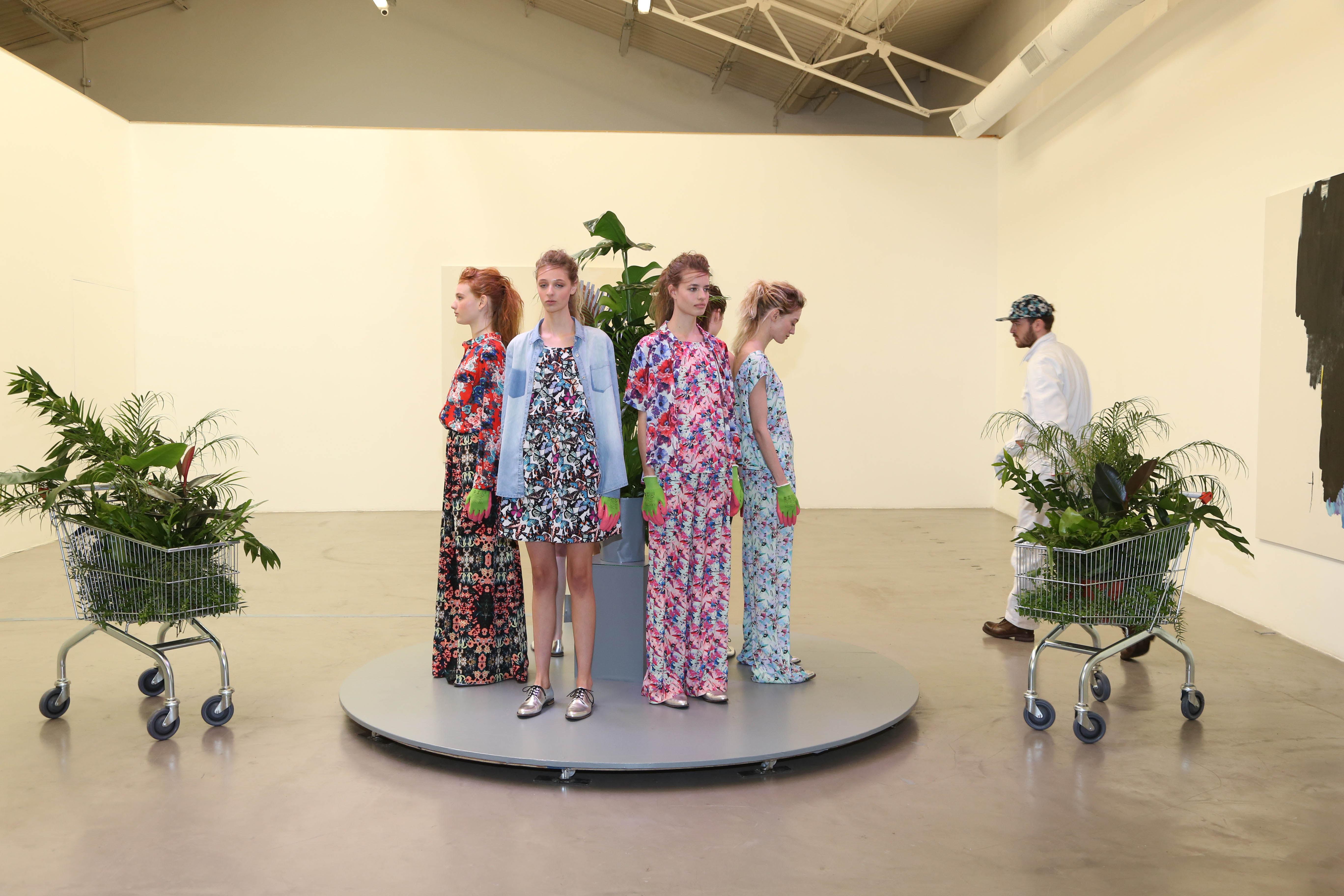 Lanzamiento koxis ss16 en la galeria de arte Ruth Benzacar (38)