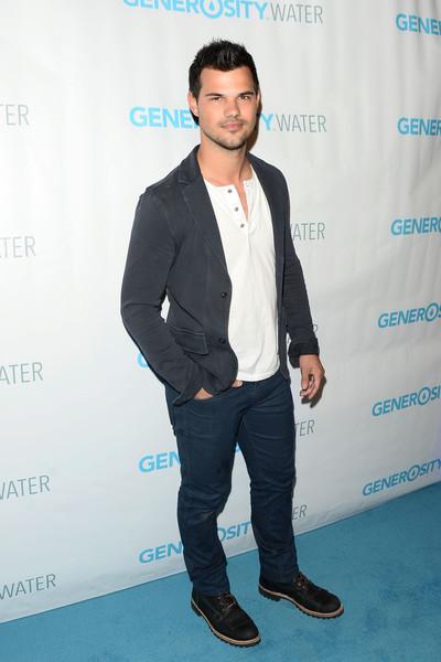 Taylor+Lautner+Generosity+Water+Launch+Arrivals+evluFVE6oNvl