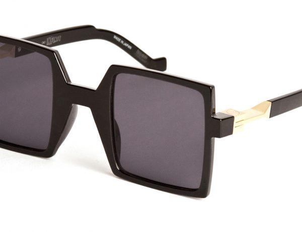 En tendencia: gafas cuadradas, Infinit.