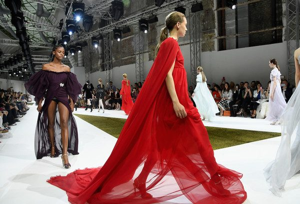 Giambattista+Valli+Runway+Paris+Fashion+Week+gzGHMoWxymgl