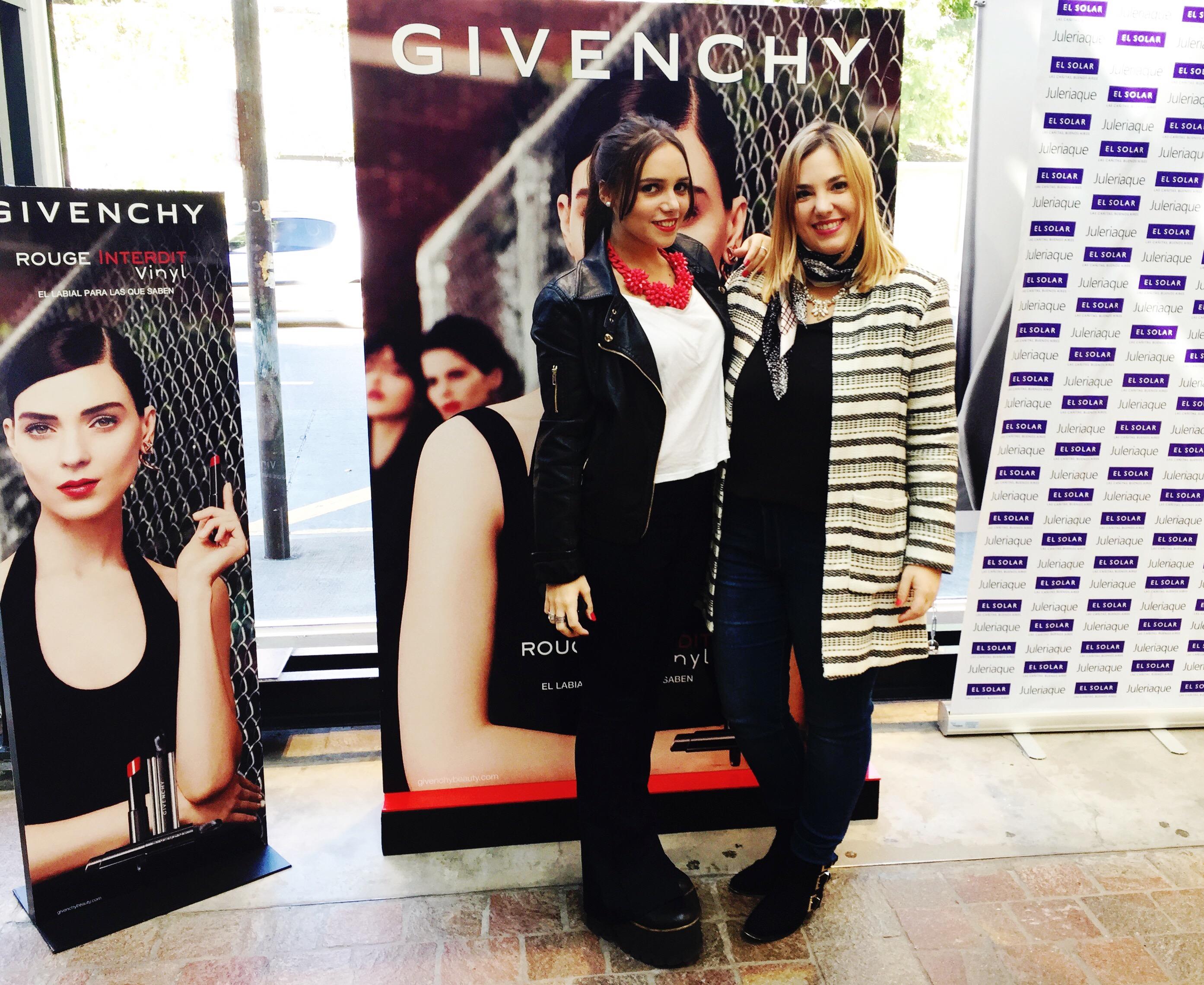 En el evento, junto a Catalina Sanguino, de Givenchy