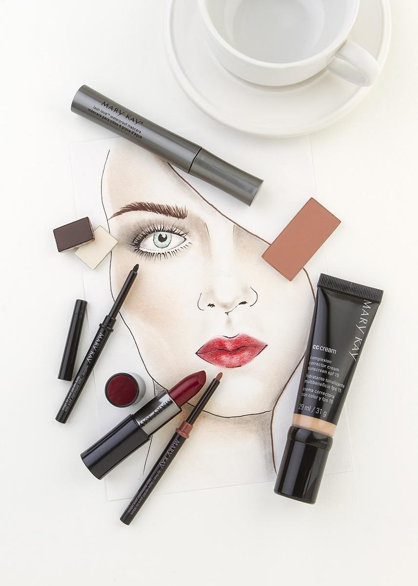 Maquillaje boca roja